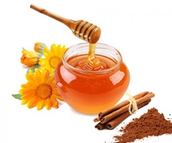 Honey and Cinnamon Skin Lightener Facial Mask