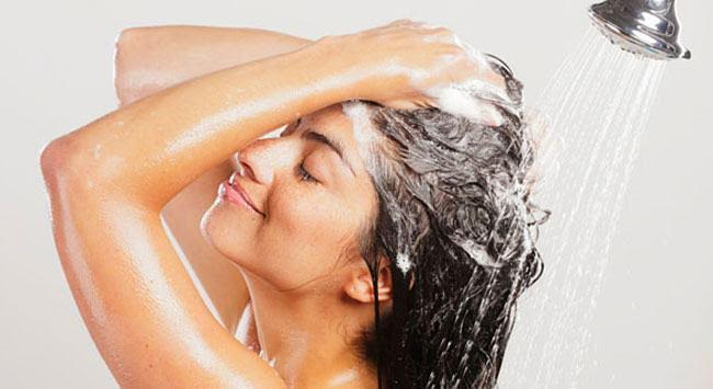 washing hair 50dfcfd4-7c32-469d-a0af-98f0363b48a9