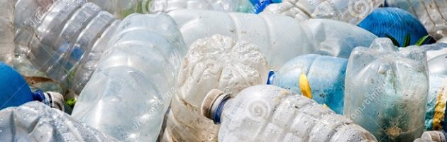 plastic-pollution-25761404