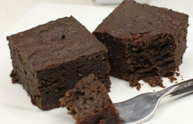 Black bean and spinach brownie